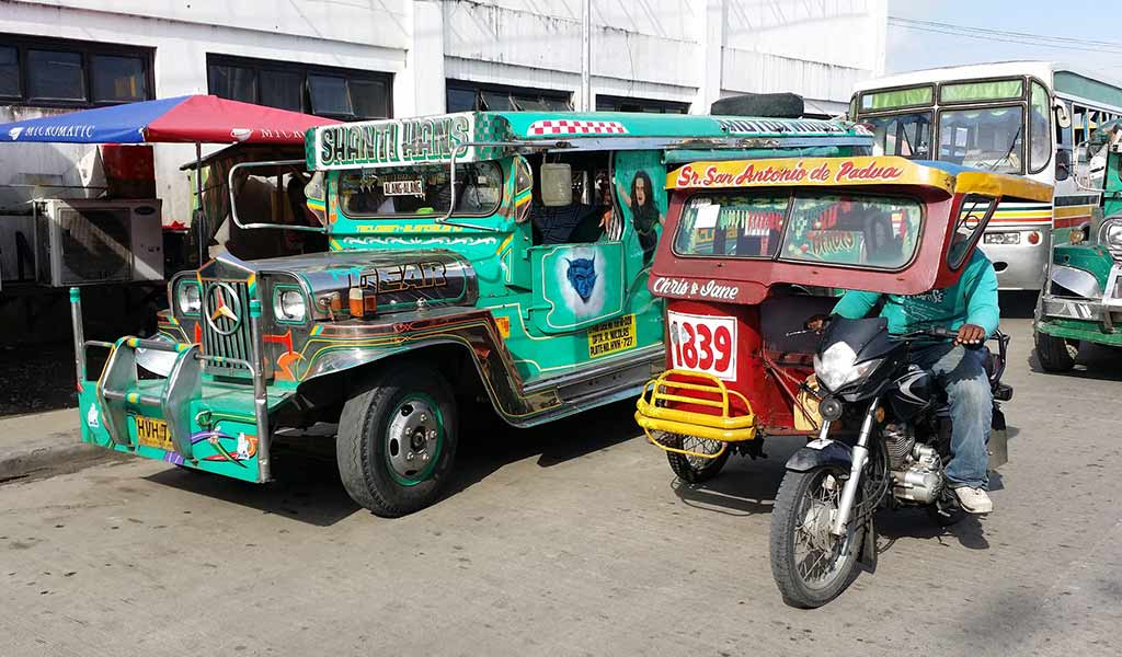 Desplazamiento en triciclo. Filipinas