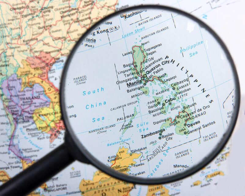 Mapa con lupa en Filipinas